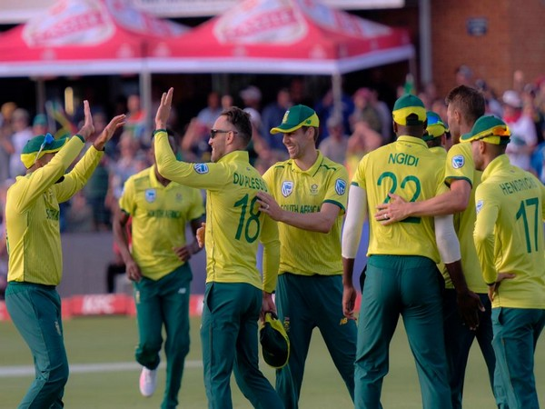 Proteas team celebrating after taking a wicket. (Photo/ICC Twitter)