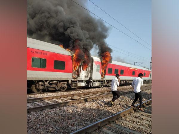 Fire detected in brake binding of Telangana Express in Haryana [Photo\ANI]