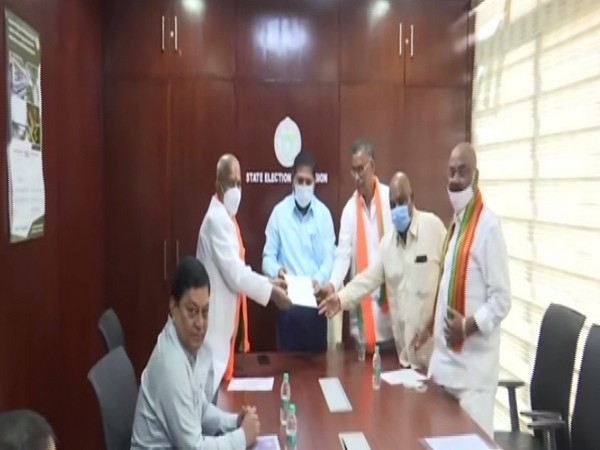 Telangana BJP leaders meeting with State Election Commissioner Parthasaradhi on Tuesday. [Photo/ANI]
