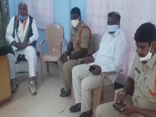 Senior Congress leader V Hanumantha Rao on extreme left. [Photo/ANI]