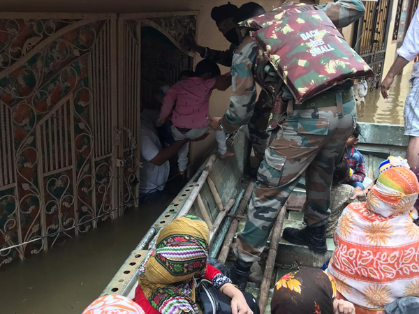 A visual of the Indian army during flood relief in Telangana.