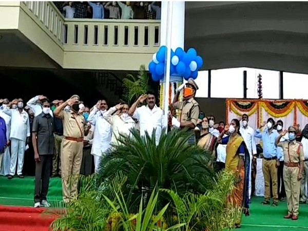 Telangana minister for animal husbandry, fisheries and cinematography Talasani Srinivas Yadav hoisted the national flag.