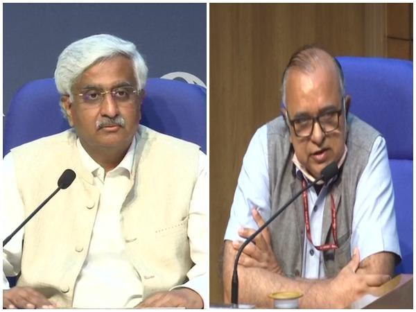 Telecom Secretary Anshu Prakash (left) and SKG Rahate, Secretary, Ministry of Power (right)