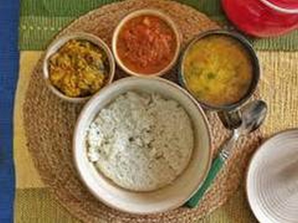 Special Home-made thali for diwali (Image courtesy: )