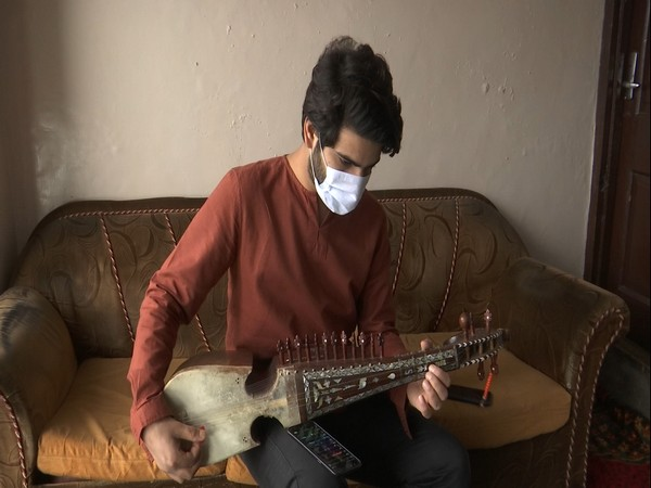 Adnan Manzoor, the youngest Rabab artist (Photo/ANI)
