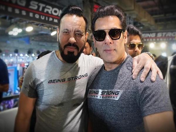 Salman Khan with his bodyguard Shera (Image Courtesy: Instagram)