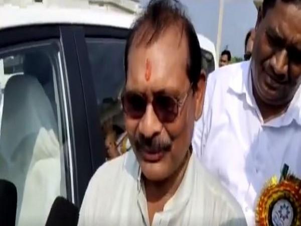 Congress leader Premsai S Tikam speaks to media in Koriya on Wednesday. [Photo/ANI]