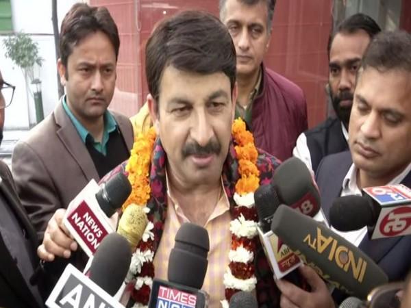 Manoj Tiwari speaking to reporters in Delhi on Saturday. Photo/ANI