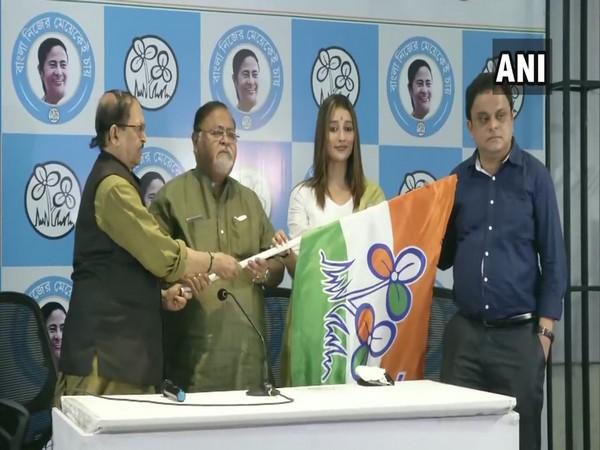 Bengali actor Sayantika Banerjee joining TMC in Kolkata. (Photo/ANI)
