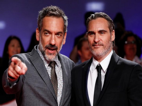 Todd Phillips and Joaquin Phoenix
