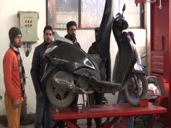 Youngsters in Jammu and Kashmir get training in automobile sector. Photo/ANI