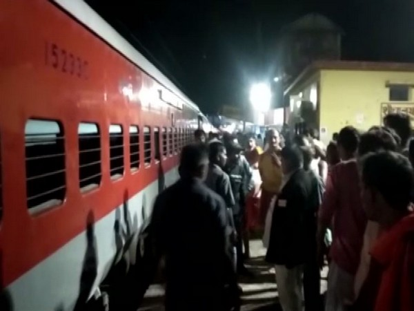Darbhanga-Kolkata Express at Jhajha railway station on Monday