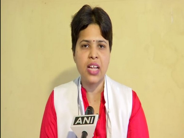 Women rights activist Trupti Desai speaks to ANI in Pune on Thursday [Photo/ANI]