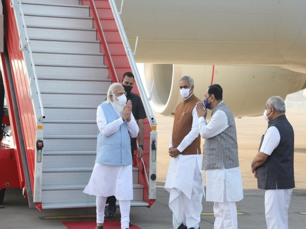 Gujarat Chief Minister Vijay Rupani, Governor Acharya Devvrat and Deputy Chief Minister Nitin Patel received PM Modi at Ahmedabad airport.