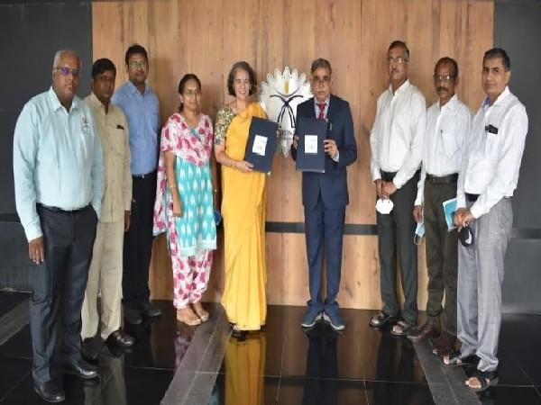 From L to R: Dr. Senthil Kumaran, Dr. Selvaraj, Mr. Aravind R, Dr. Binsu J Kailath, Ms. Sashi Sairaman, Dr. D V L N Somayajulu (Director), Mr. A. Chidambaram, Dr. M Sreekumar, Dr. Naveen Kumar