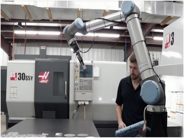 Universal Robots joins hands with Phillips Corporation - the largest global distributor of best-selling Haas CNC machines, to help Indian manufacturers boost productivity