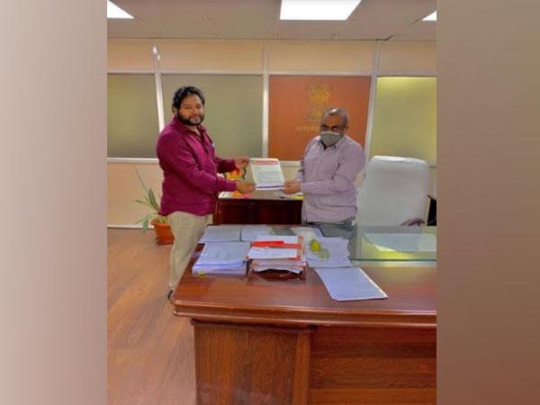 Kasani Veeresh, General Secretary, Jana Jagruthi Academy submitting the representation to Dr Shashank Goel Garu, Chief Electoral Officer - Telangana