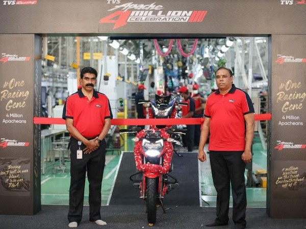 (R) Meghashyam Dighole, Head - (Marketing) Premium Motorcycles, TVS Motor Company at the roll-out of the TVS Apache 4 million global sales milestone