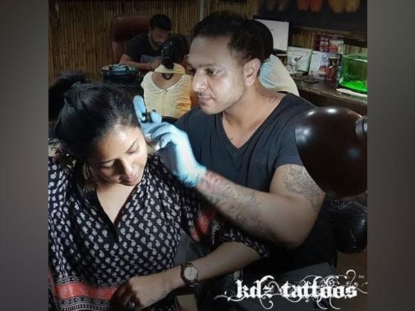 Kamaldeep Singh Sethi, Founder - KDz Tattoos at his studio