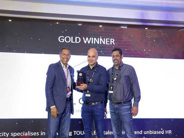 Receiving SuperStartUps Asia 2019 Award, Ketan Dewan, Co-founder & CEO and Yashwant Singh, Chief Business Officer, Talocity