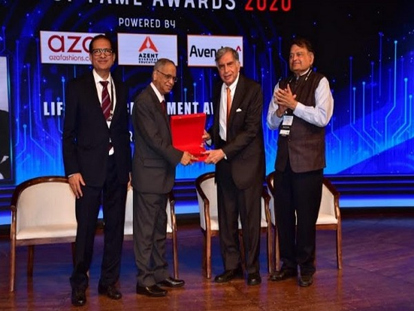 TiECon Mumbai Hall of Fame Awards 2020 - the biggest star ever Ratan Rata receiving the life time achievement award from Narayana Murthy in the presence of TiE President Atul Nishar and Harish Mehta
