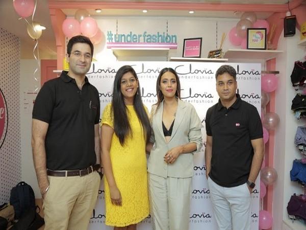 Swara Bhasker visits Clovia's Kalkaji store on its first anniversary