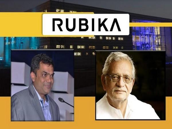 L to R: Dr. Manoj Singh CEO RUBIKA India and Lyricist, Poet, Filmmaker Gulzar Saab