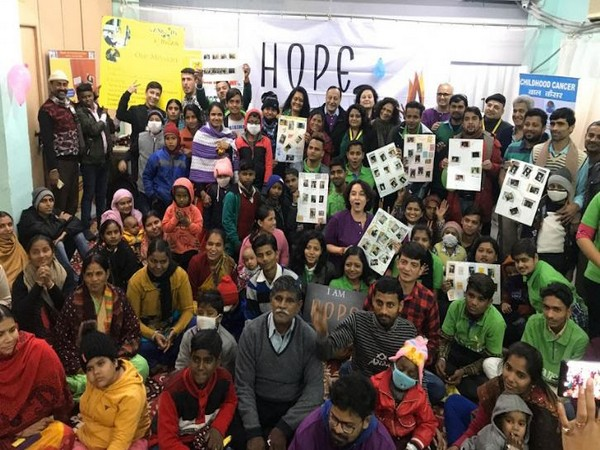 Team of Hope B~Lit and CanKids at recently held event along with cancer survivors.