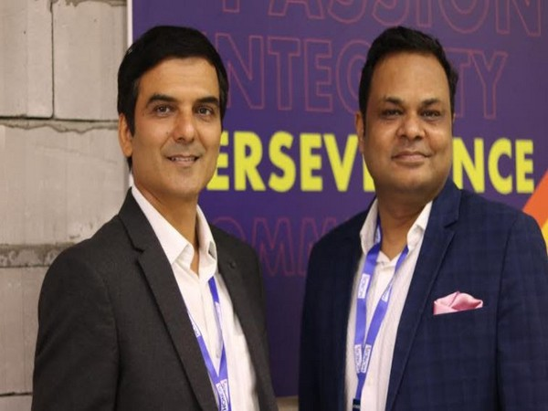 Pankaj Agrawal (Right), Co-founder and Director-WONDRx, with Pankaj Sindhu (Left), Founder and Director, WONDRx