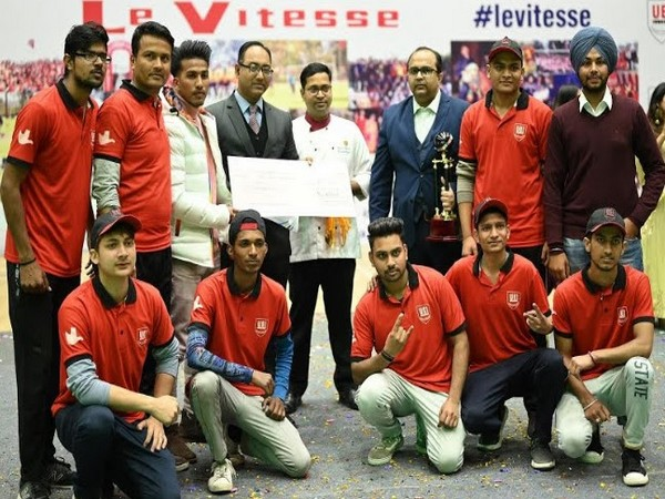 Chandigarh Swaggers Cricket team awarded by Manish Khanna, CEO, UEI Global Education at Le Vitesse 2020