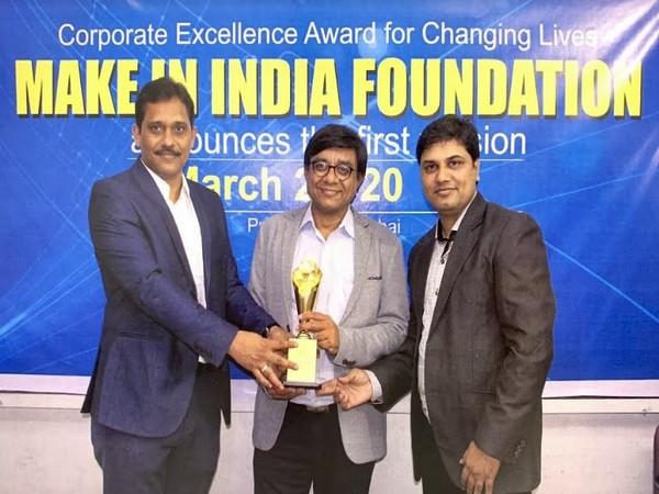 Jayesh Rawal (Executive Director), Manish Patel (MD) and Mr. Tarak Gor (Whole Time Director & CFO) receiving an award recently at Mumbai