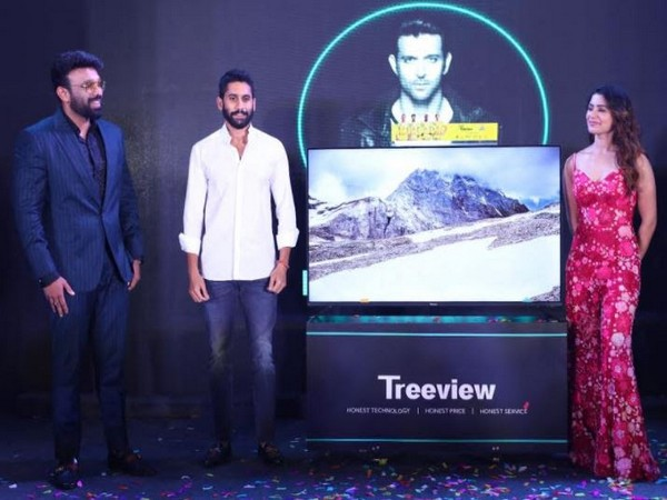 From Left to Right: Jubin Peter, Founder & CEO, QThree Ventures, Telegu Cinema actors Naga Chaitanya and Samantha Akkineni unveil festive offers for Treeview TVs in India