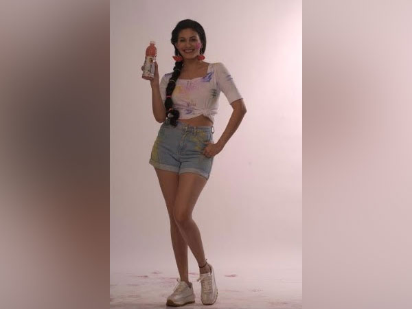 Amyra Dastur and Shreyas Iyer roped in as Brand ambassadors for Fresca Juices