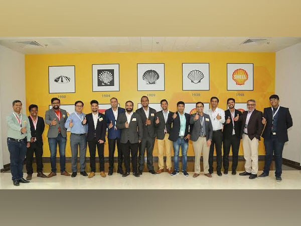 TresMoto Founders display their product offerings at Shell e4 demo day