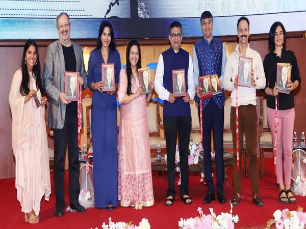 Parmita Shroff, Sohrab Ardeshir, Kiren Shrivastav, Priti Shroff, Ashish Chauhan, Kamlesh Shroff, Mickey Mehta and Sanober Pardiwalla