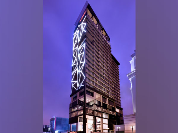 Facade at Movenpick Hotel Colombo