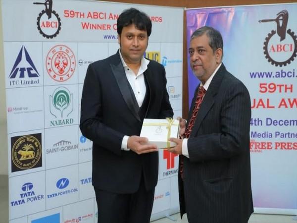 Prashant Karulkar felicitating at the 59th Annual ABCI Awards