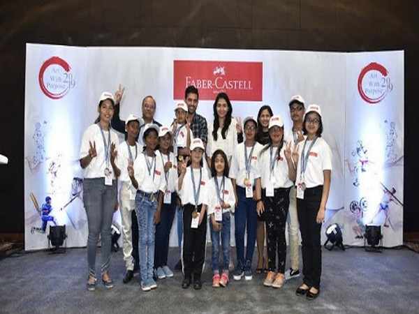 Prashanti Singh, Deepak Chahar and Faber-Castell India team with the 12 National Winners