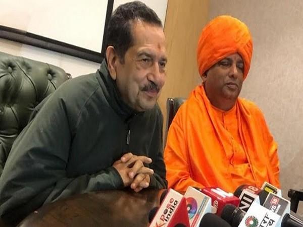 Indresh Kumar and Gurujee Kumaran Swami