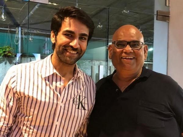 Garrvil Mohan (left), Satish Kaushik (right)