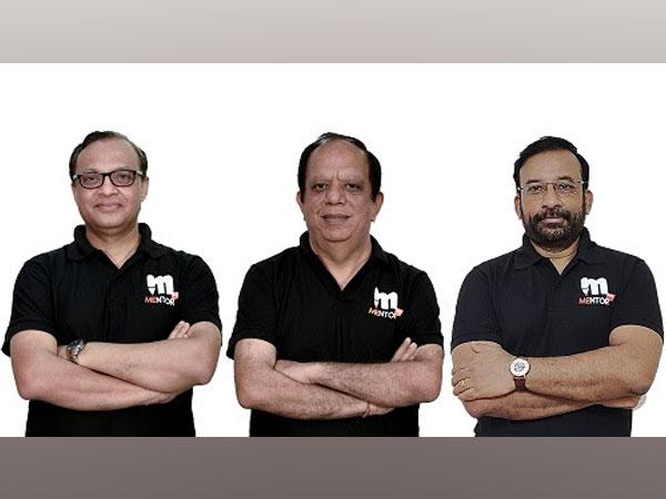 L-R: Ashish Khare, Vijay Sethi and SK Mohanty