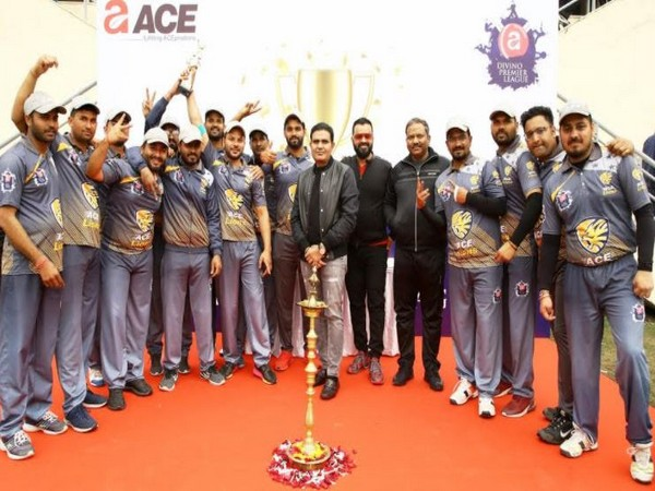 Ace CMD Ajay Chaudhary together with the winning team Ace Lions