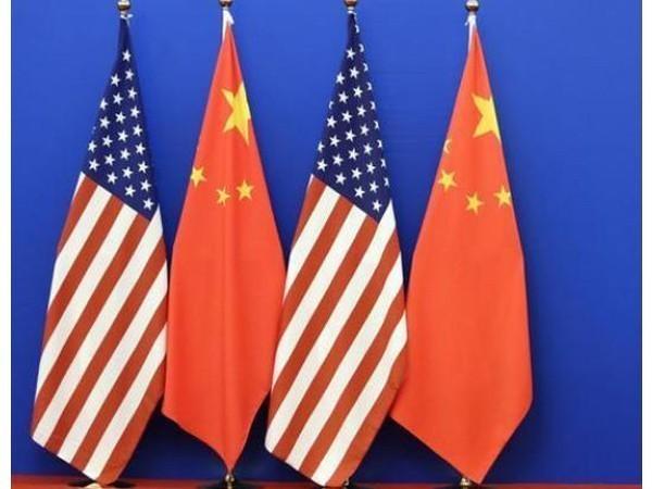 US, China flags