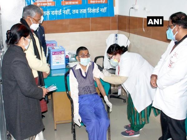 Uttarakhand CM Trivendra Singh Rawat visits Doon Medical College during vaccination drive (Photo/ ANI)