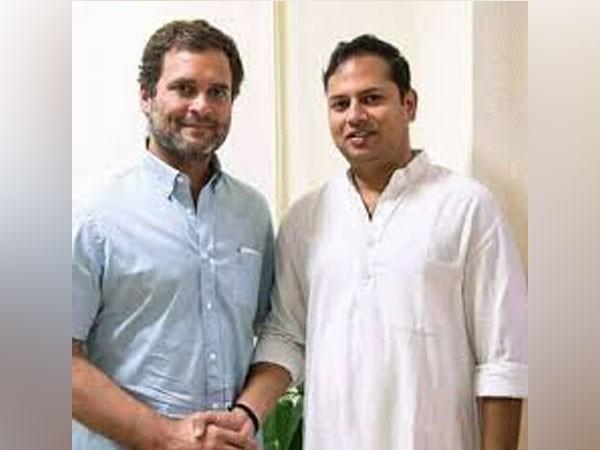 Congress President Rhaul Gandhi (left) and party leader Vaibhav Gehlot (Right) (File photo)