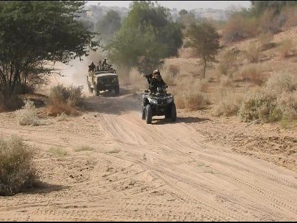 Special Forces of India and United States in action during their three-day tactical exercise called 'Vajra Kayaa' in Rajasthan on Saturday.