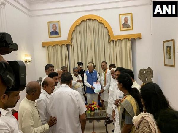 Congress delegation with Governor Vajubhai Vala in Bengaluru, Karnataka on Thursday.
