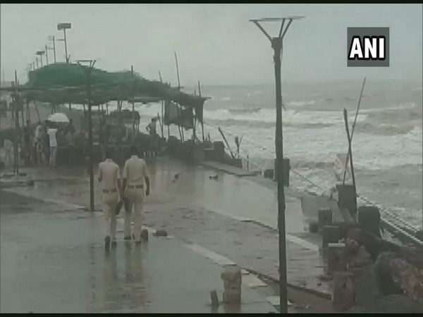 t: Visuals from Valsad as strong winds hit the region, sea turns rough.