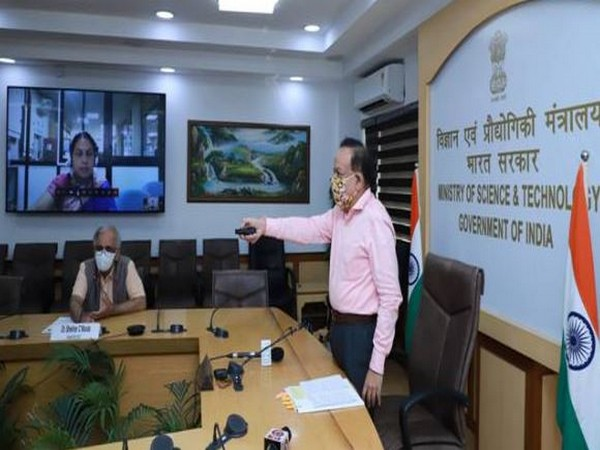 Union Minister Harsh Vardhan launching DME fired 'Aditi Urja Sanch' unit on Wednesday.