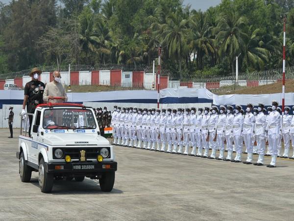 Visual of President receiving the guard of honour at Port Blair